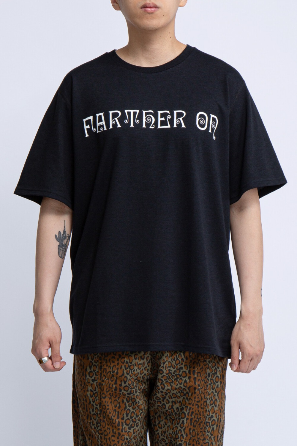 CREW NECK TEE FARTHER ON BLACK