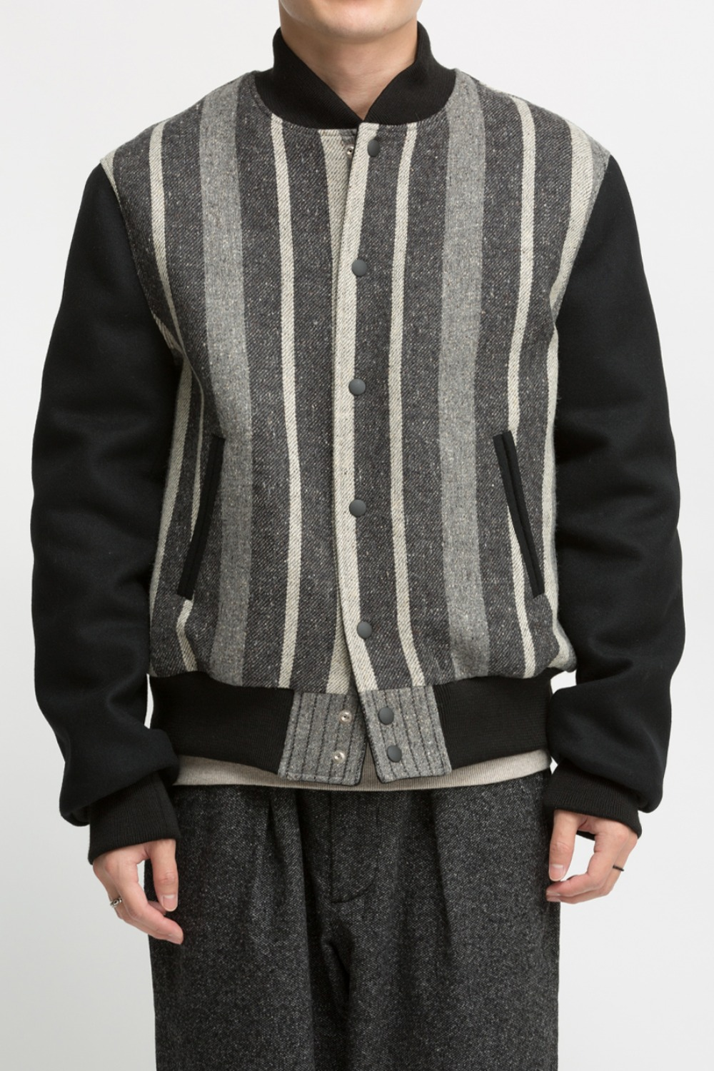 STRIPE VARSITY JACKET BLACK/GREY