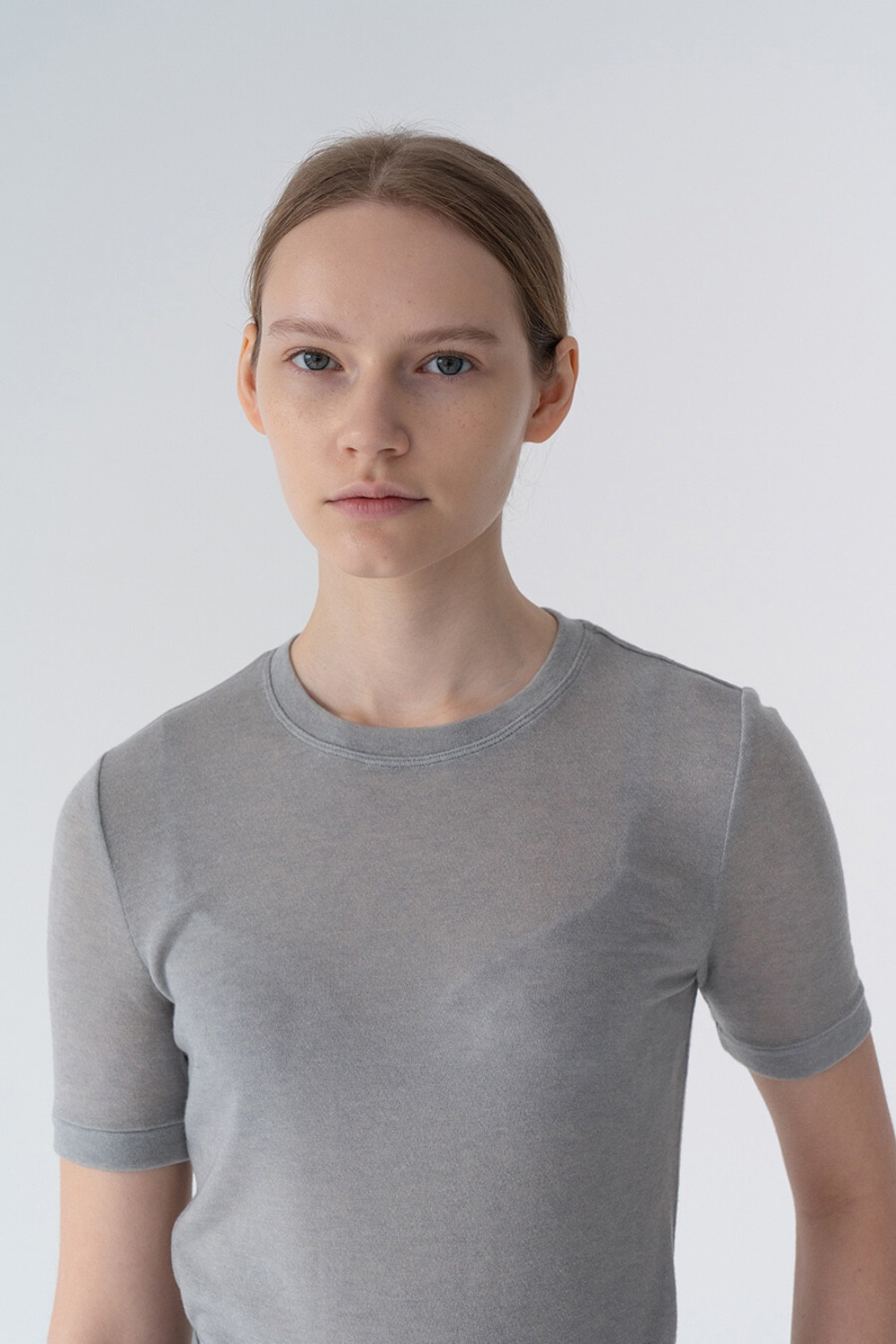 SUBTLE FEMININE TOP GREY