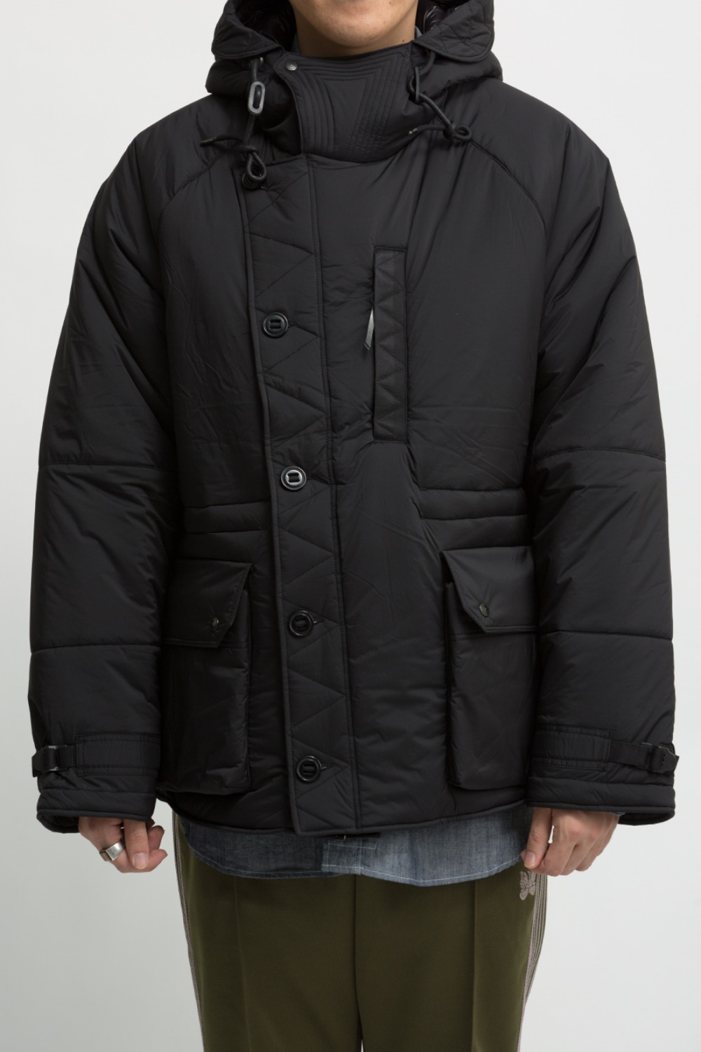 BLACK NYLON MIDDLE LAYER PARKA