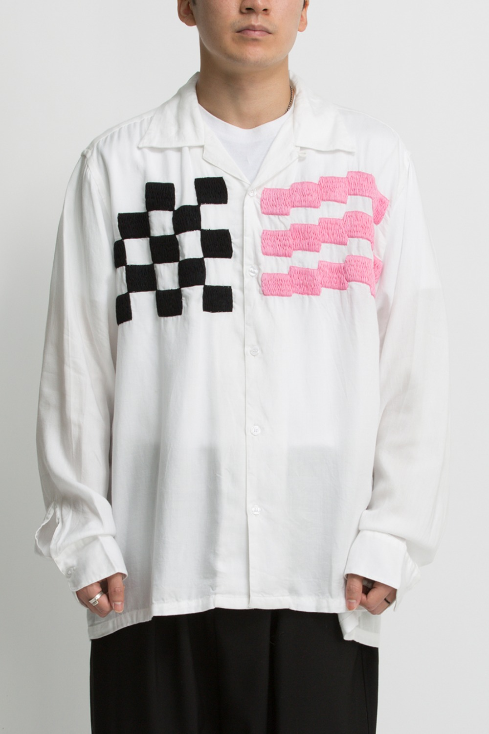 CHECKER EMB. SHIRT WHITE