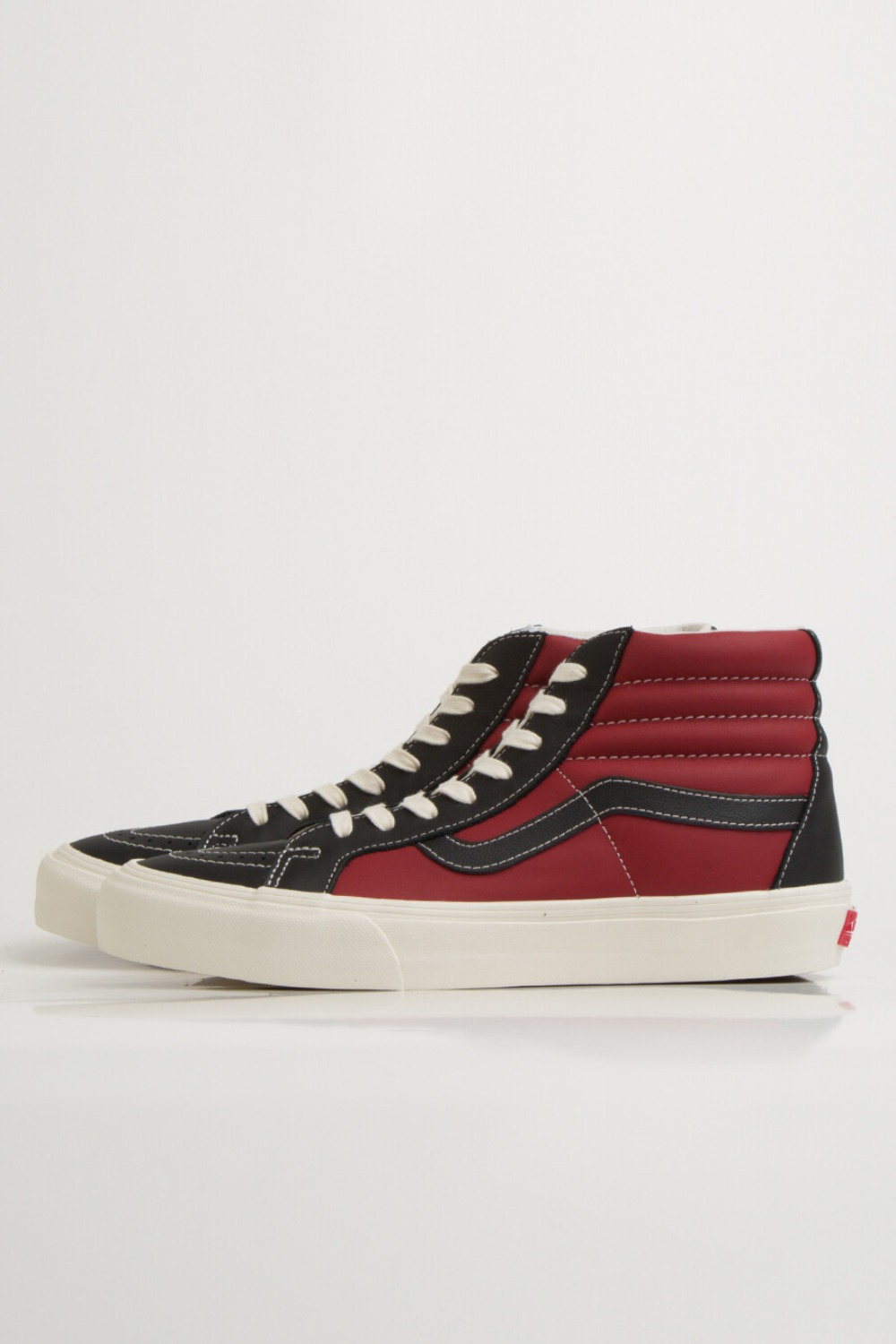 SK8-HI REISSUE VLT LX(LEATHER)BLACK/CHILLI PEPPER