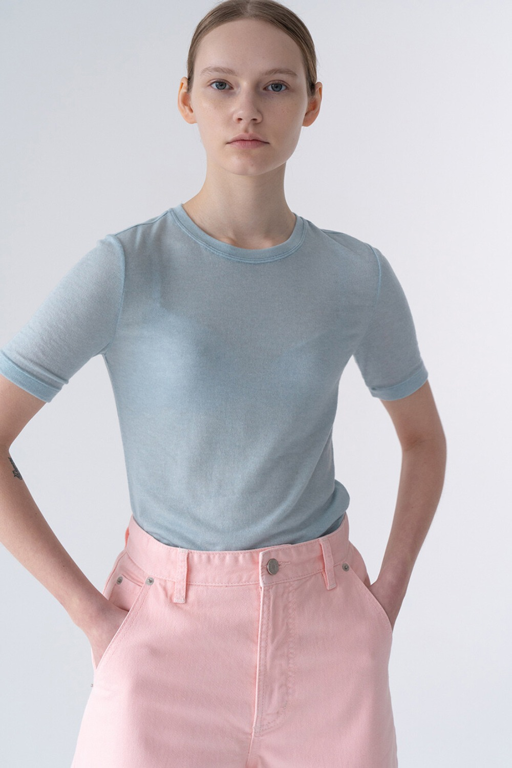 SUBTLE FEMININE TOP BLUE