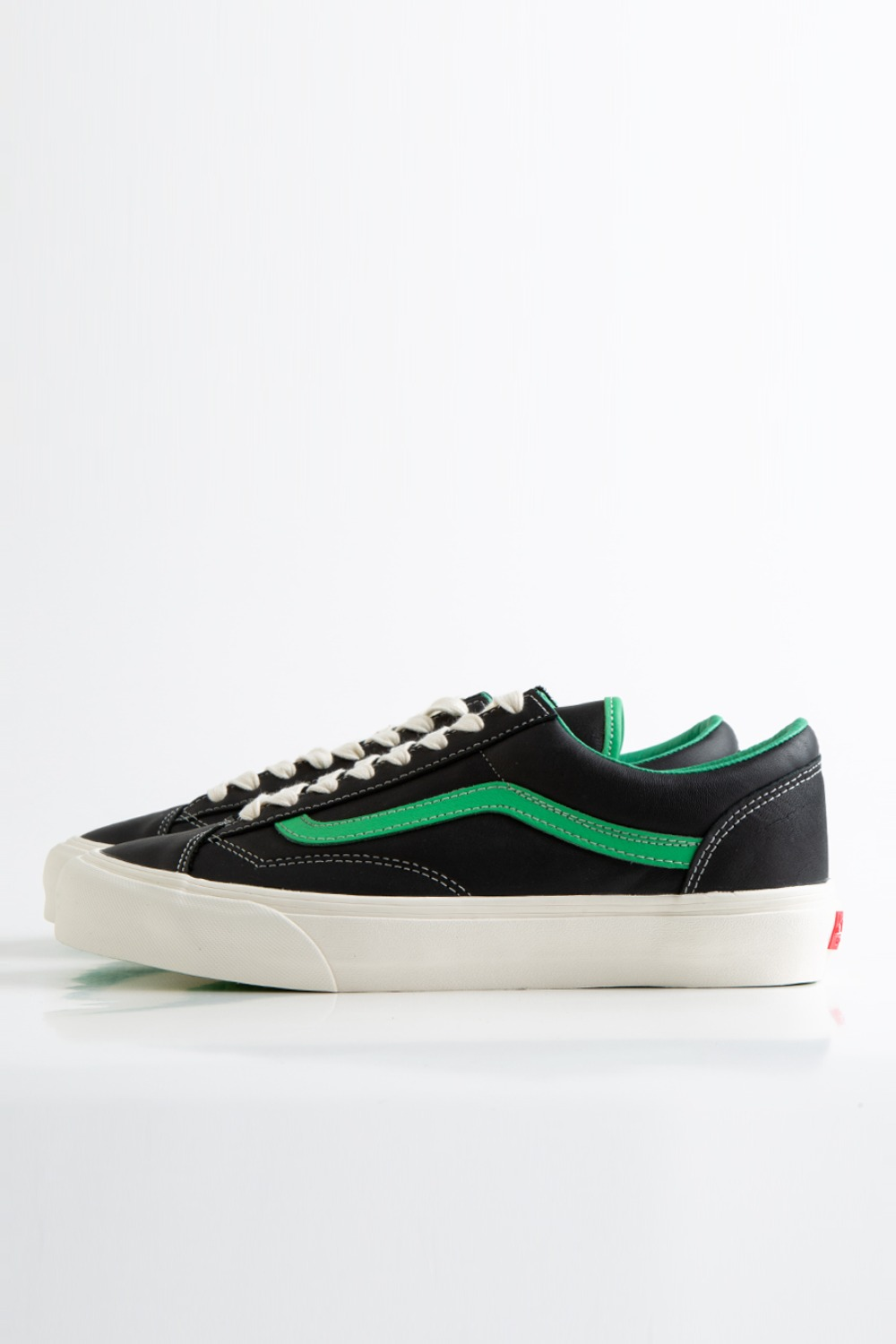 STYLE 36 VLT LX(LEATHER) BLACK/ISLAND GREEN