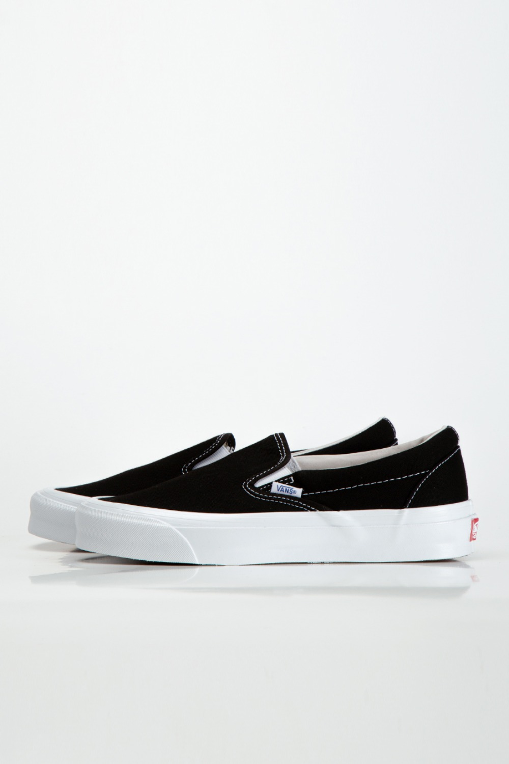 (RESTOCK)OG CLASSIC SLIP-ON LX(CANVAS) BLACK/TRUE WHITE