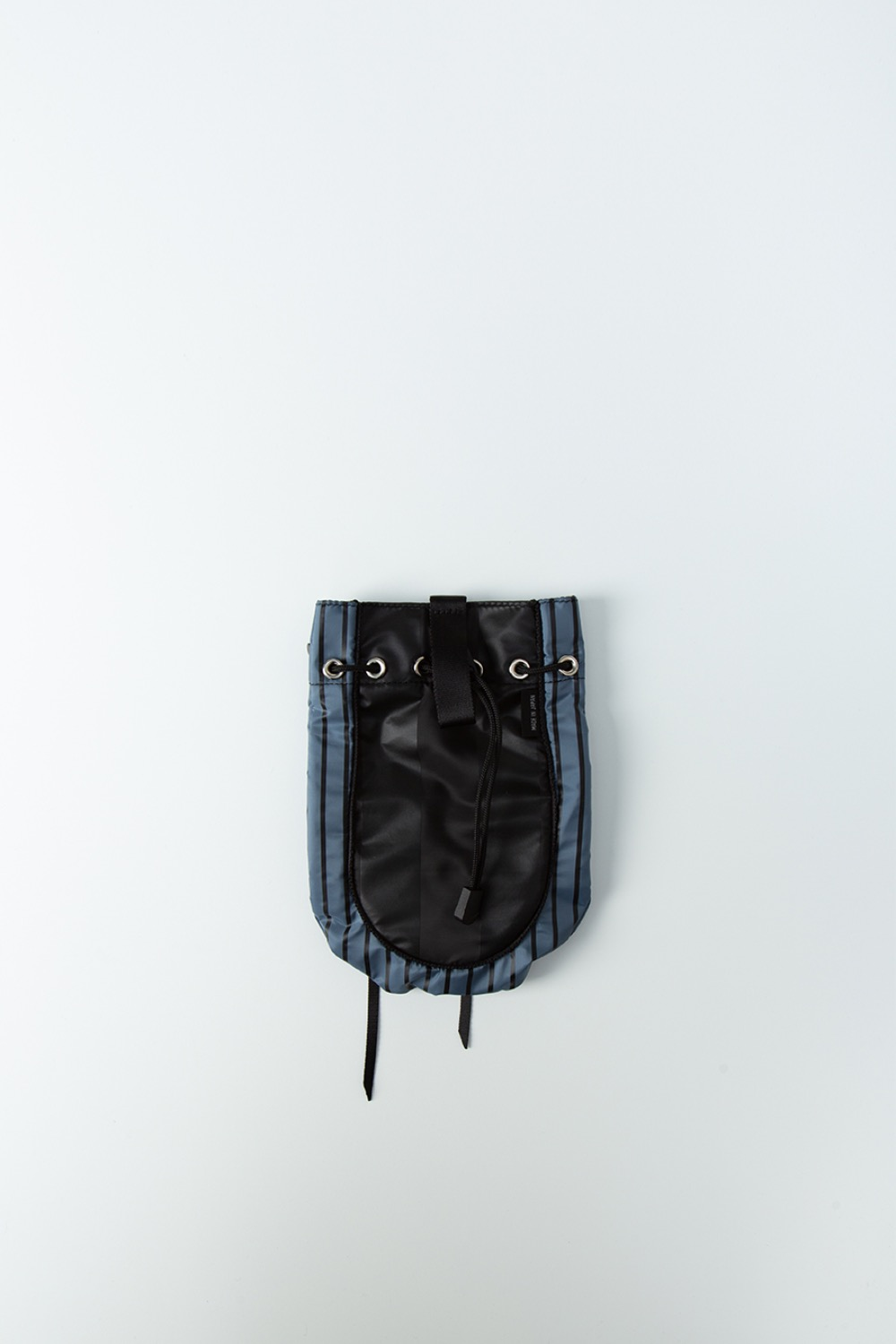 BEHIND THE STRIPE CONCHO BAG BLACK/BLUE