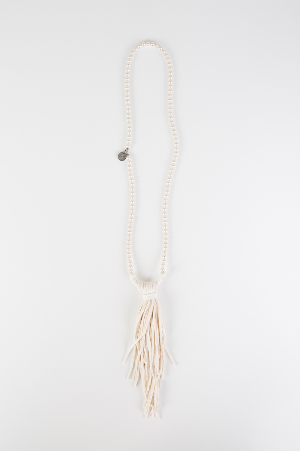PEARL/DERRSKIIN CHIPPEWA NECKLACE