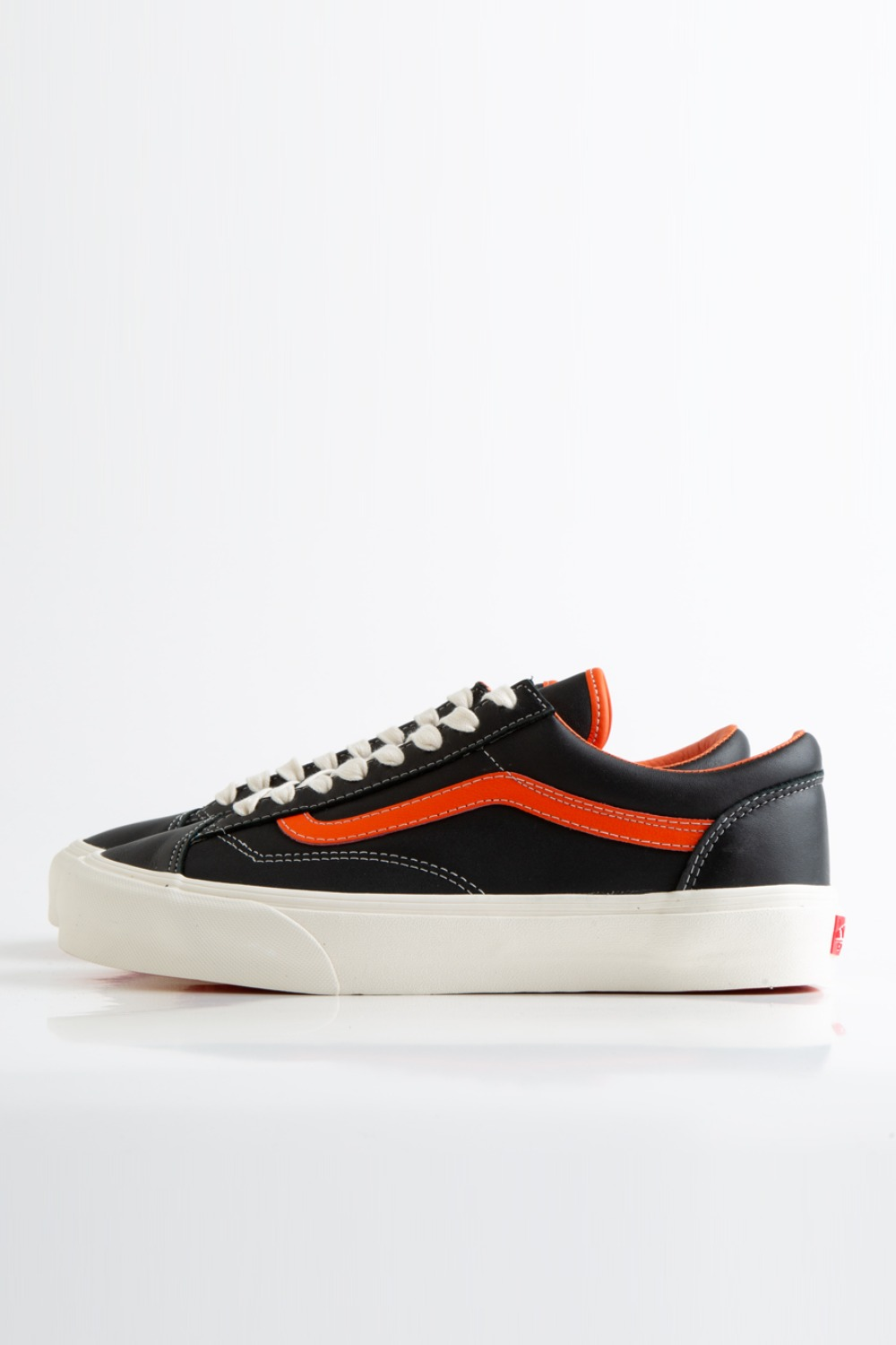 STYLE 36 VLT LX(LEATHER) FLAME/BLACK