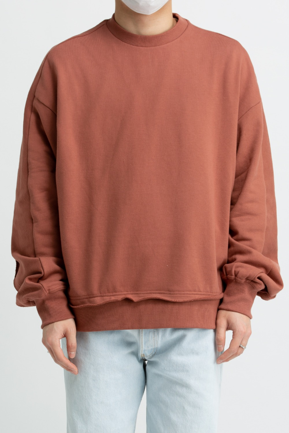 RAW EDGED CUT SWEATSHIRT CAVERN CLAY