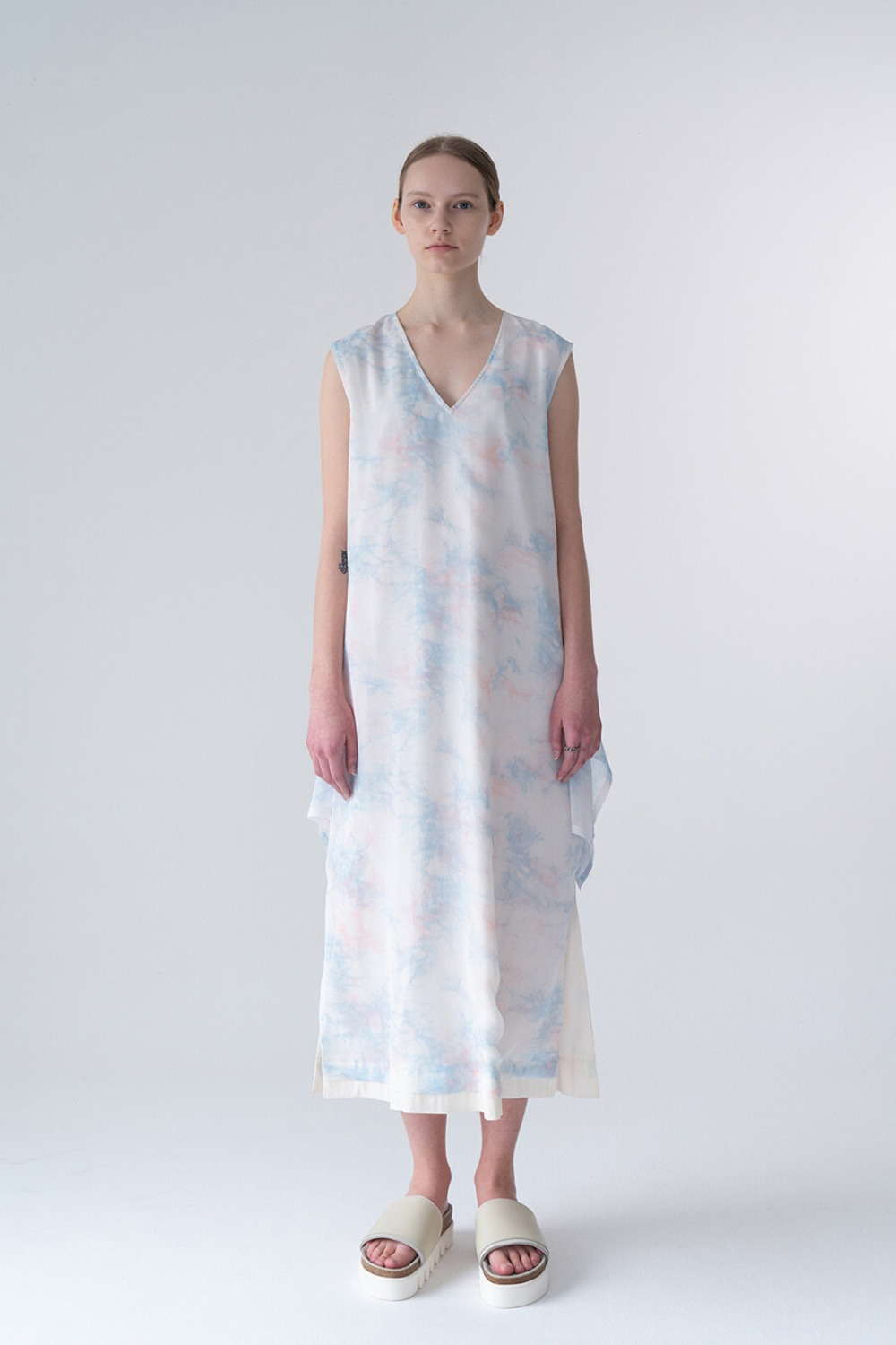 CHIFFON SLEEVELESS DRESS-TIE DYE CHIFFON