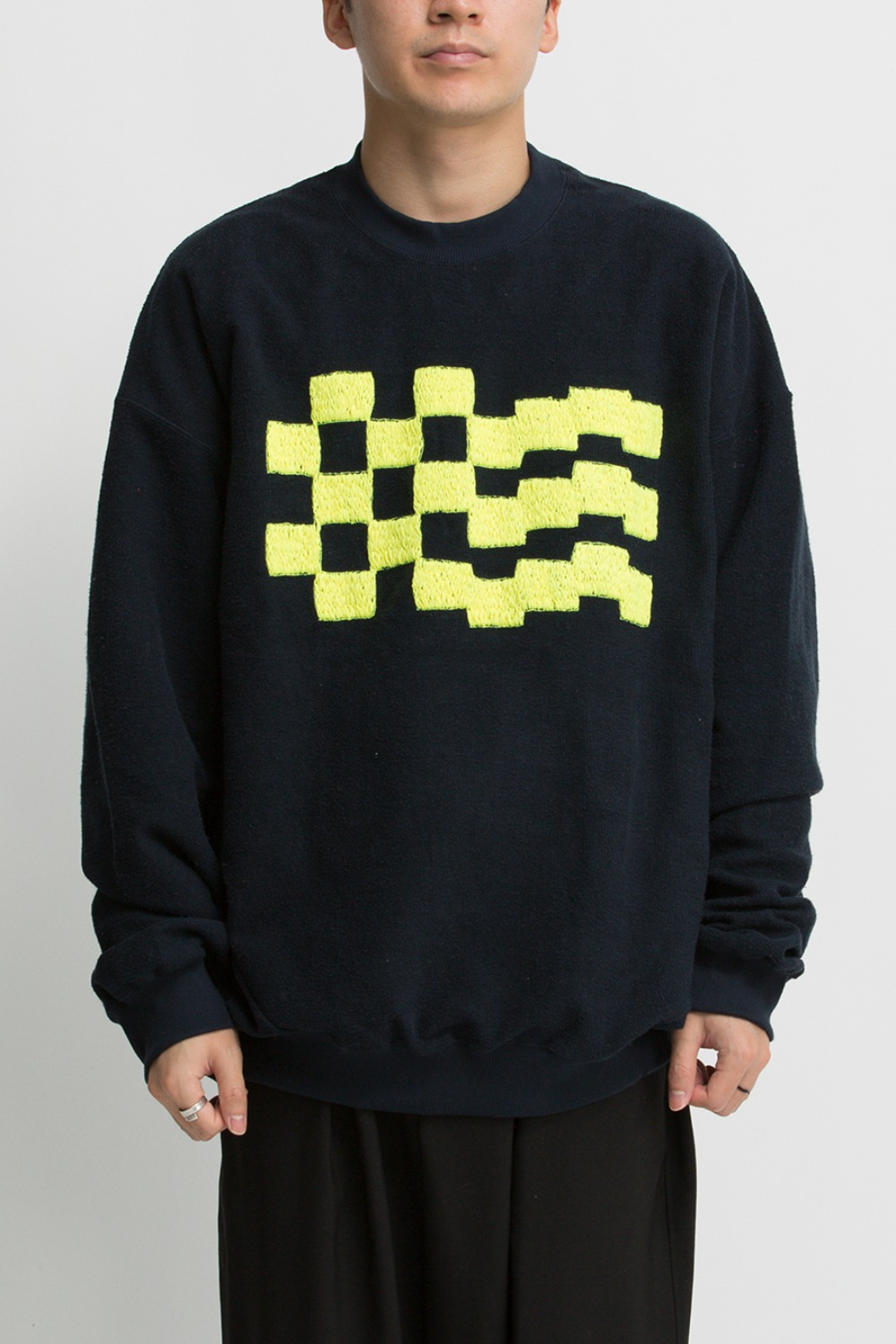 CHECKER EMB. SWEAT BLACK