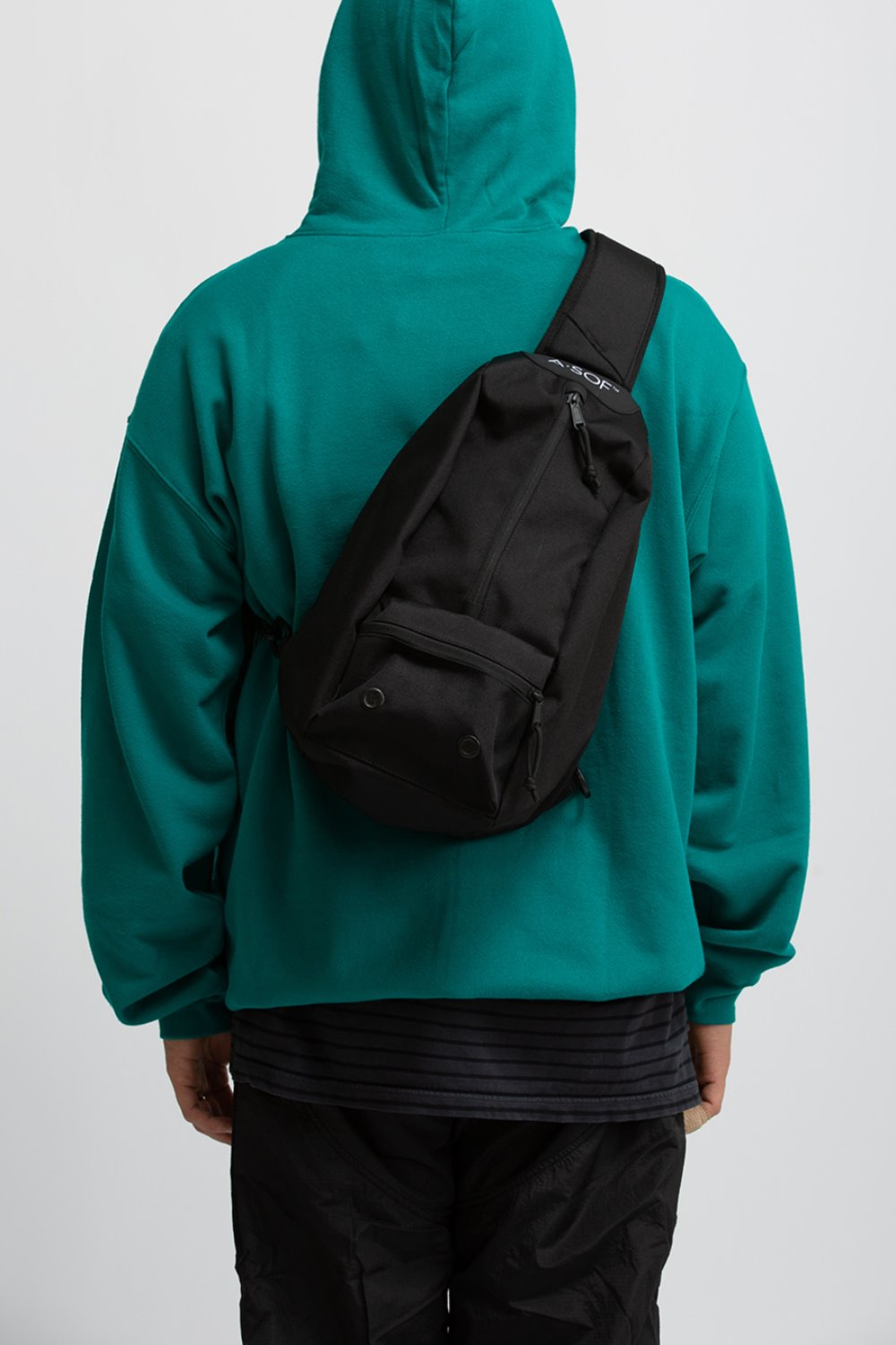 CORDURA CENTER SLING BAG BLACK