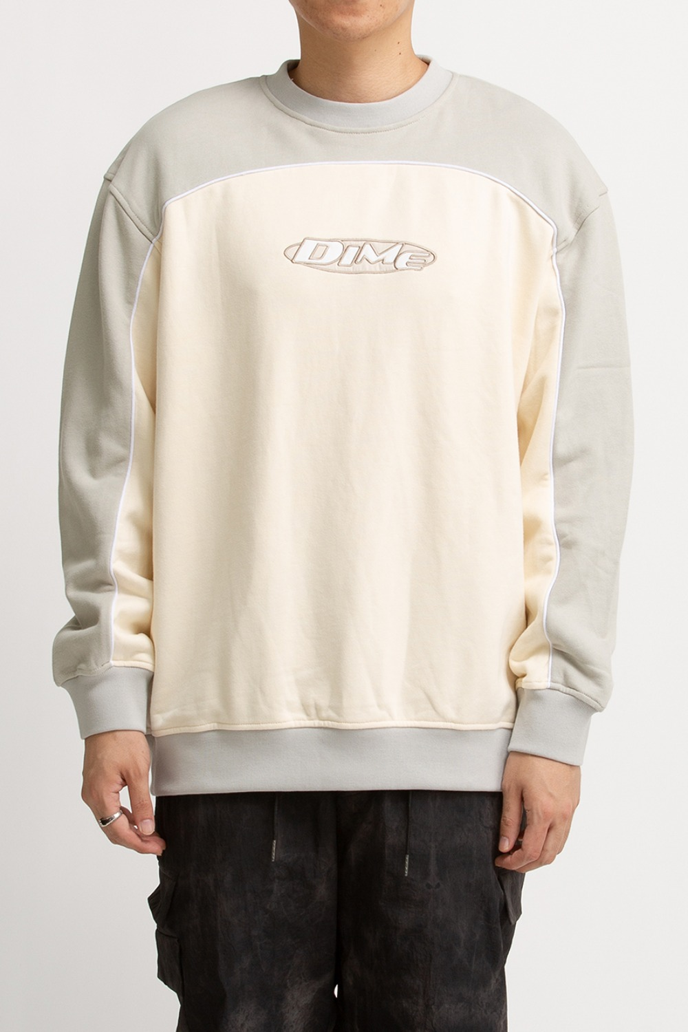 PIPING CREWNECK LIGHT CREAM
