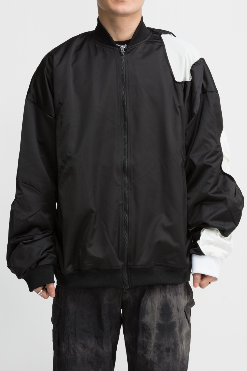 3.1 JACKET CENTER BLACK/WHITE