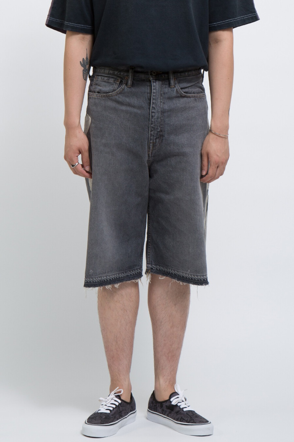 14OZ BLACK DENIM 5P SHORT PANTS(BONE EMBROIDERY)