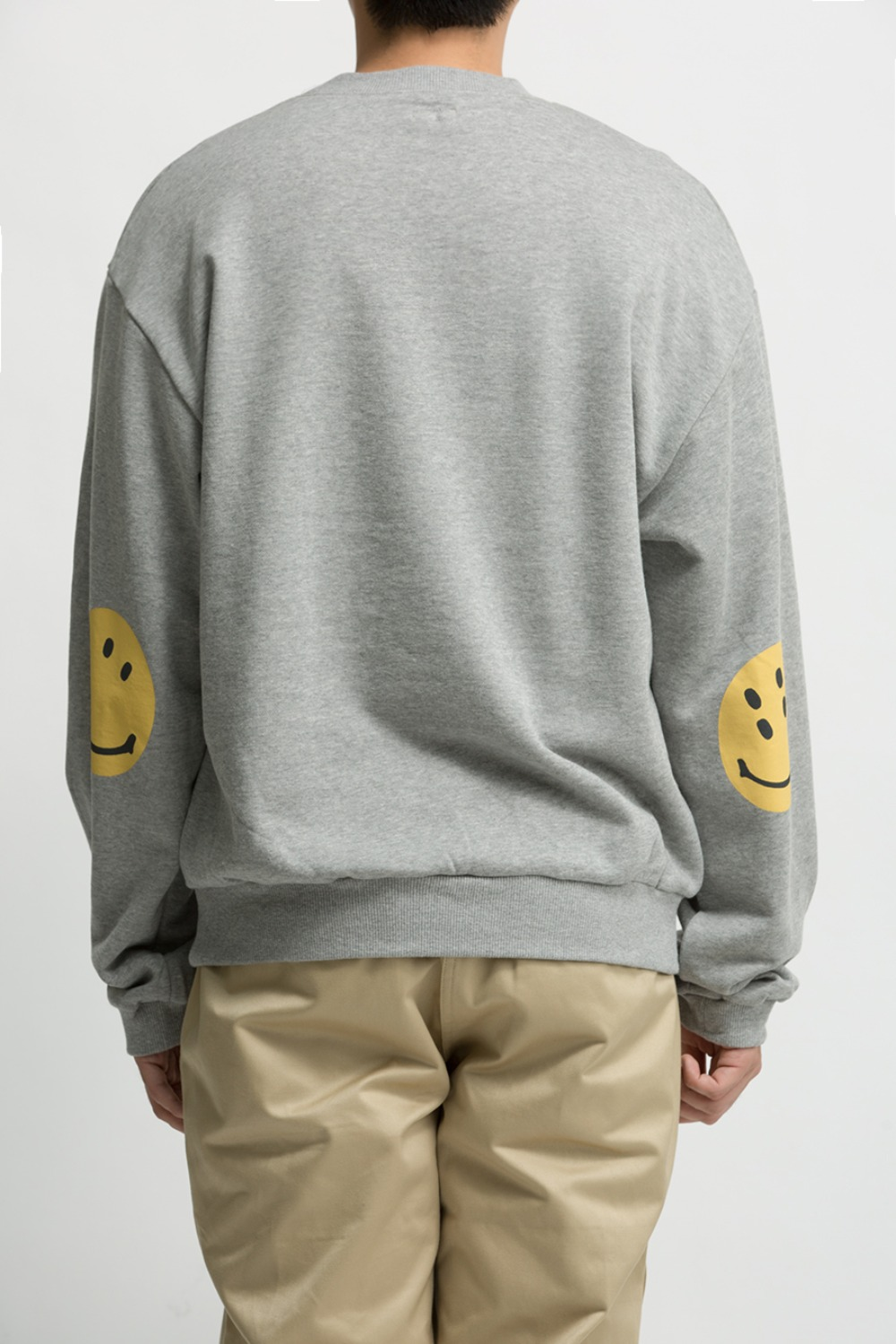 ECO FLEECE KNIT CREW SWT(SMILIE PATCH) GREY
