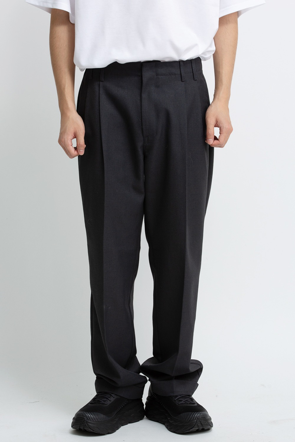 TWO TUCK WIDE PANTS CHARCOAL