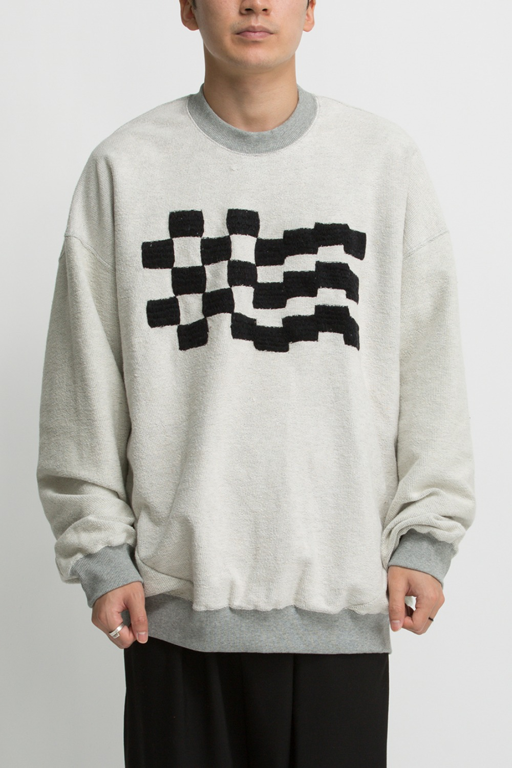 CHECKER EMB. SWEAT GREY