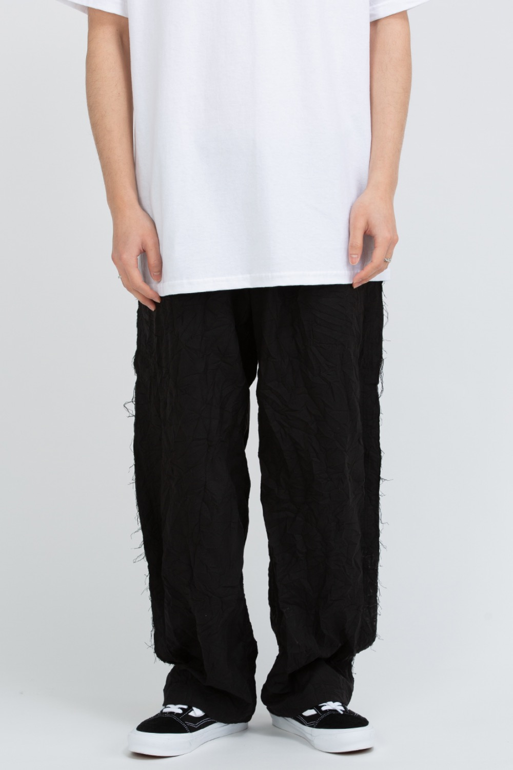 RAW EDGED CUT PANTS BLACK