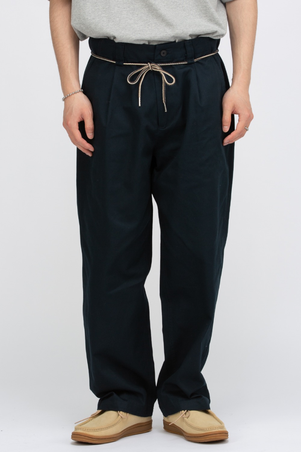 STRING PLEATED PANTS NAVY