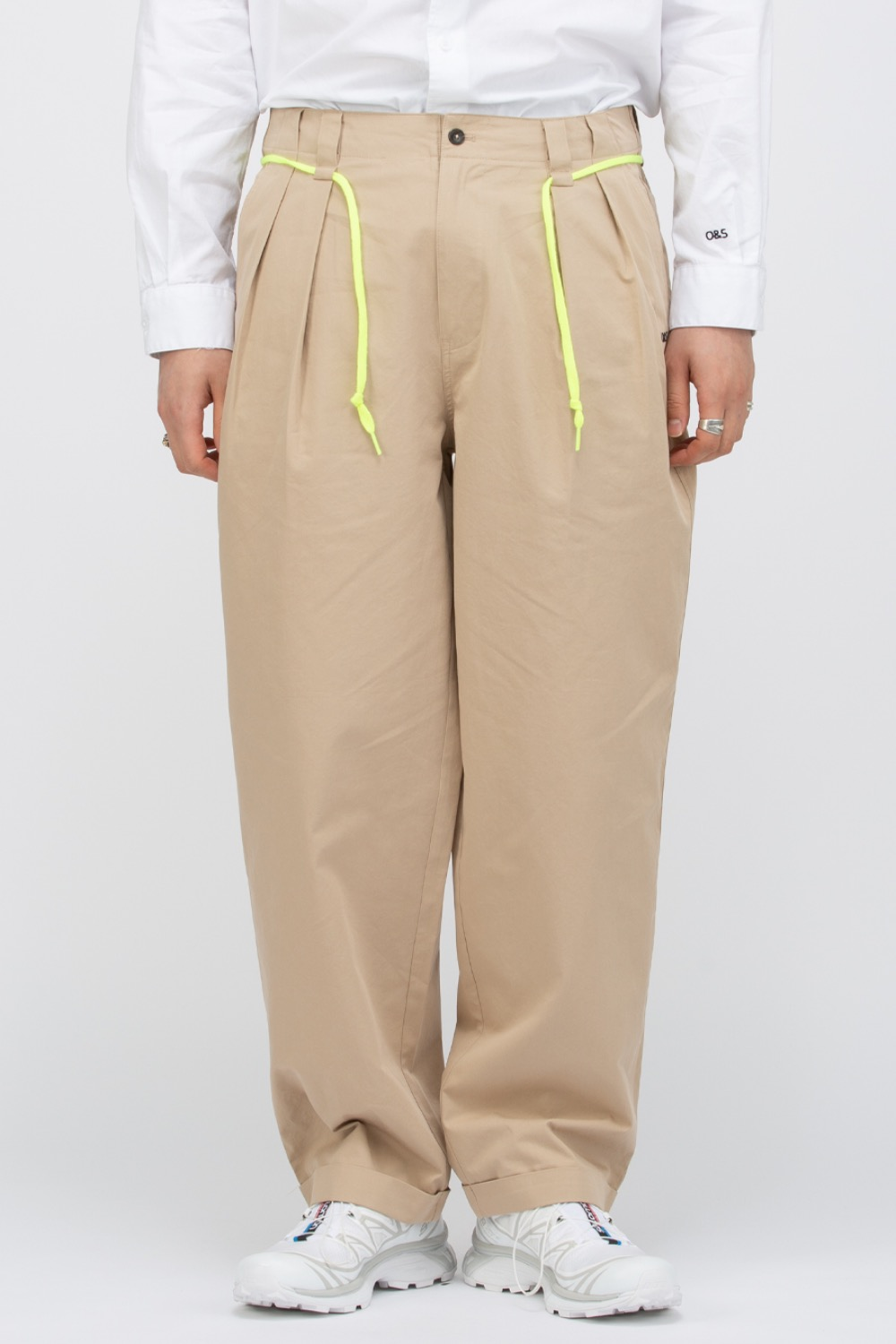 OVERCAST X SCULP_PLEATED WIDE TROUSER BEIGE