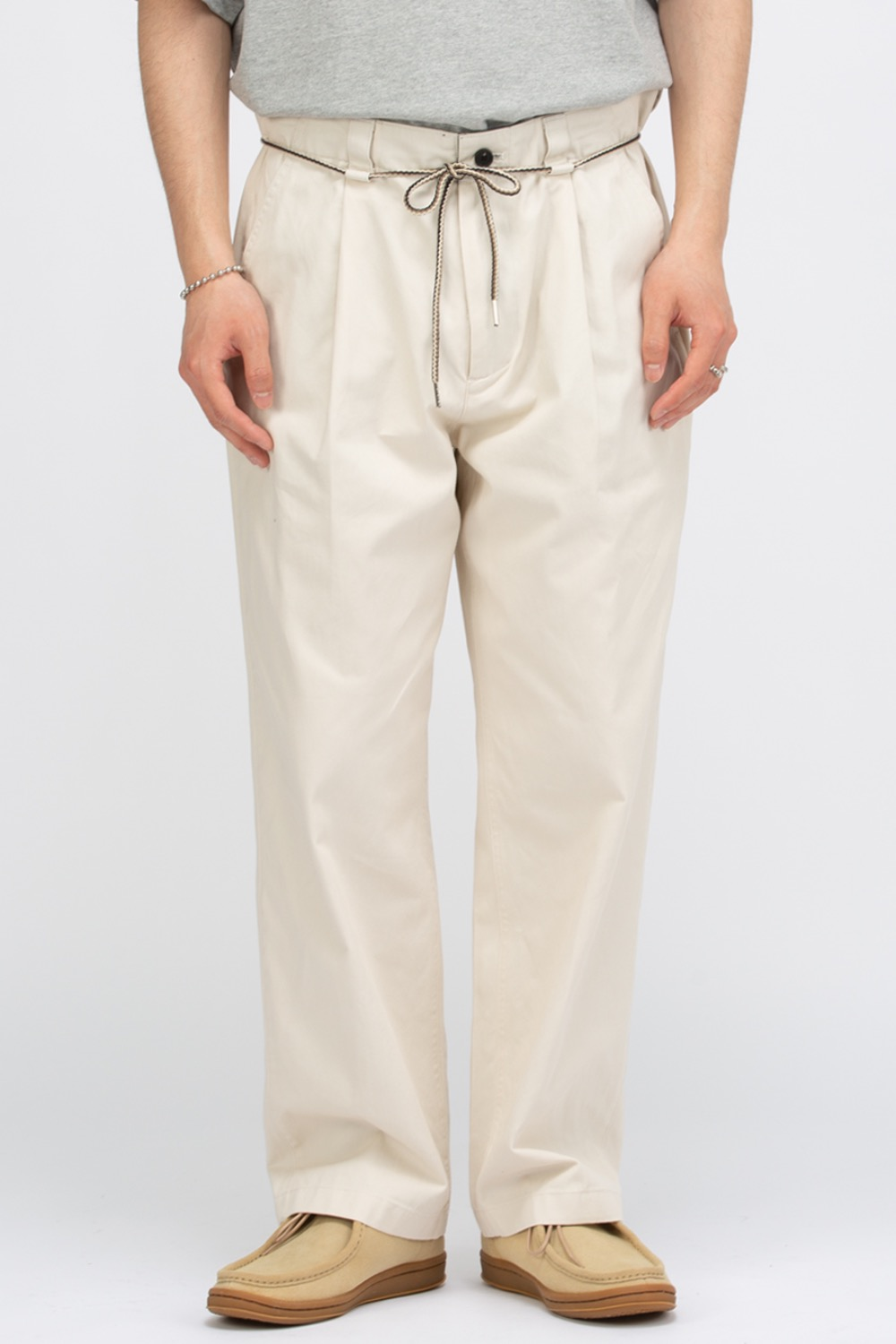 STRING PLEATED PANTS CREAM