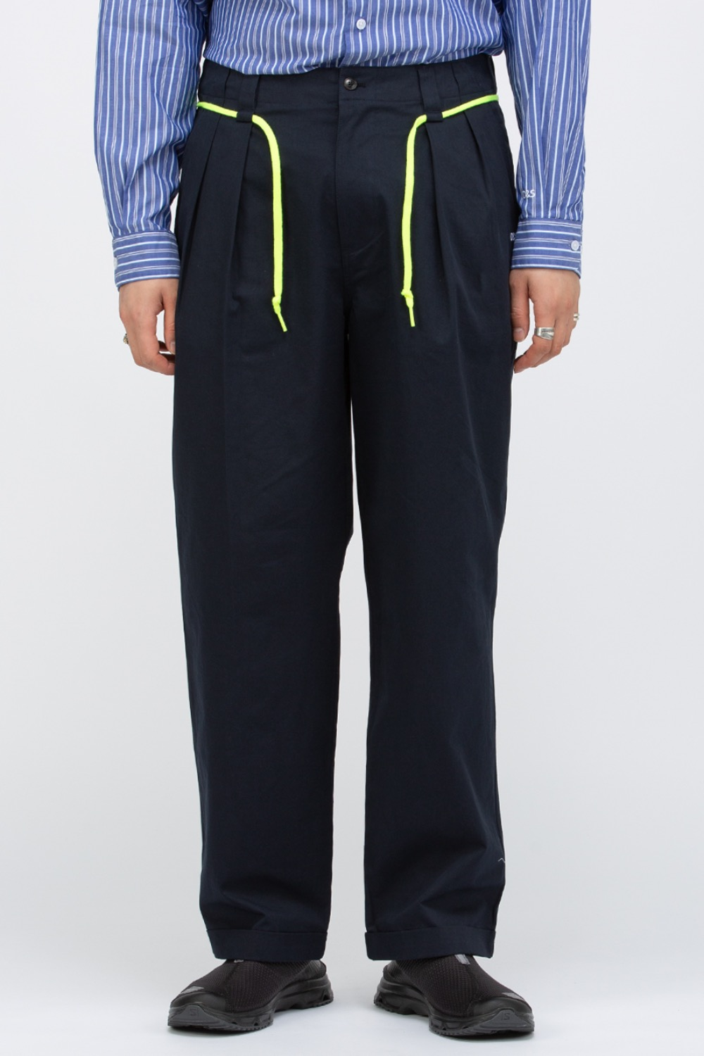 OVERCAST X SCULP_PLEATED WIDE TROUSER NAVY
